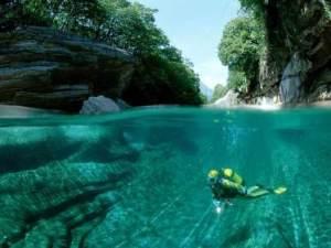 mergulho-no-rio-cristalino